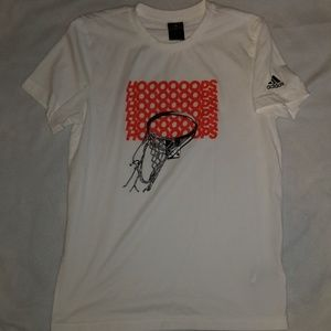 EUC Mens Adidas hoops short sleeve tee